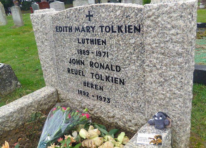 Enyalië: Επίσκεψη στον τάφο του J.R.R. Tolkien